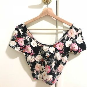 MUST GO 🌼 FOREVER 21 FLORAL S CROP TEE